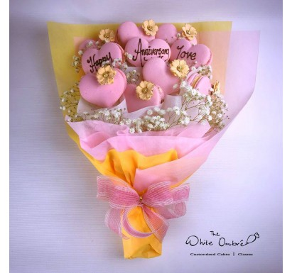 10pc Large Hearts Macaron Bouquet