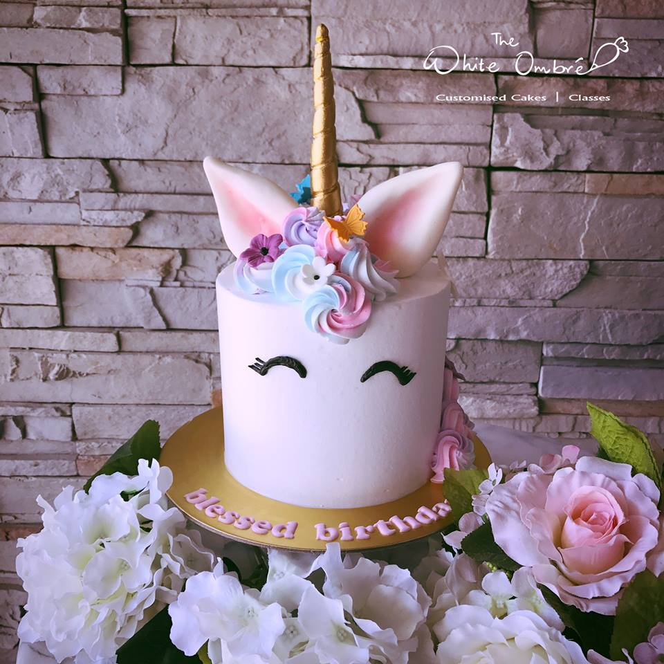 Unicorn Themed Cakes
